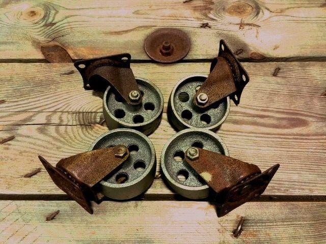 Roulettes industrielles en métal