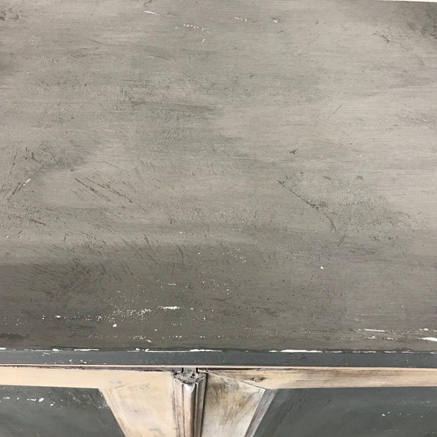 Imitation béton ciré sur plateau de meuble